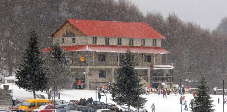 """""""Συνηθισμένα τα Χιονοδρομικά στα χιόνια"""" γράφει η Τζωρτζίνα Αθανασίου"""