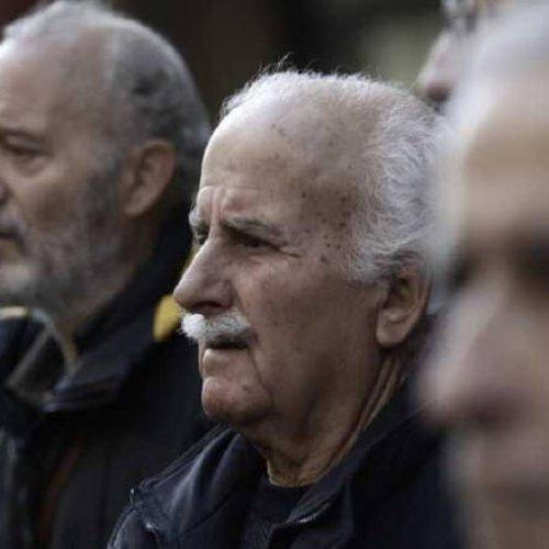 Σοκ και δέος στους συνταξιούχους  -  Τα 2,5 δις ευρώ θα αγγίξουν οι νέες περικοπές στις συντάξεις!