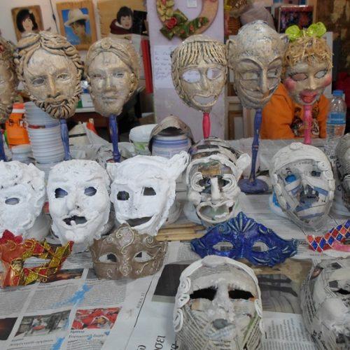 Μάσκες στο Καλλιτεχνικό Εργαστήρι της Κωσταντίας  Αμπατζόγλου