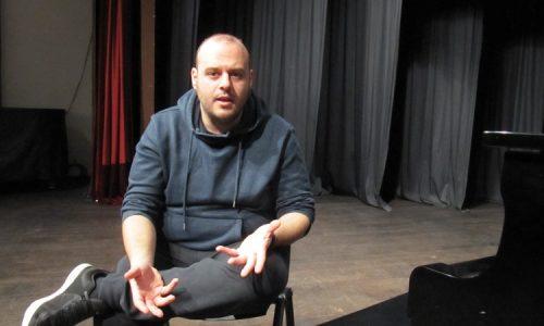 """Πέτρος Μαλιάρας: """"Το σανίδι της σκηνής είναι το σπίτι μου..."""""""