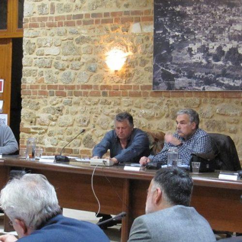 Δημοτικοί Σύμβουλοι Βέροιας  στη συνεδρίαση του  ΔΣ για το θέμα της Μακεδονίας