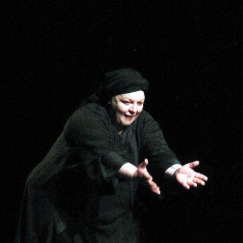 """""""Η Κυρά της Ρω"""". Ένας ατμοσφαιρικός ποιητικός μονόλογος στην Εβδομάδα Θεάτρου"""