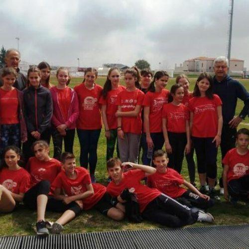 Εντυπωσίασαν οι μικροί αθλητές στίβου του Φίλιππου στα πολύαθλα στη Νάουσα