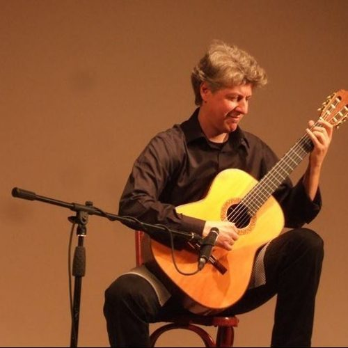 """""""Θάνος Μήτσαλας, μια γενναιόδωρη μουσική παρουσία"""" γράφει η Πόπη Φιρτινίδου"""