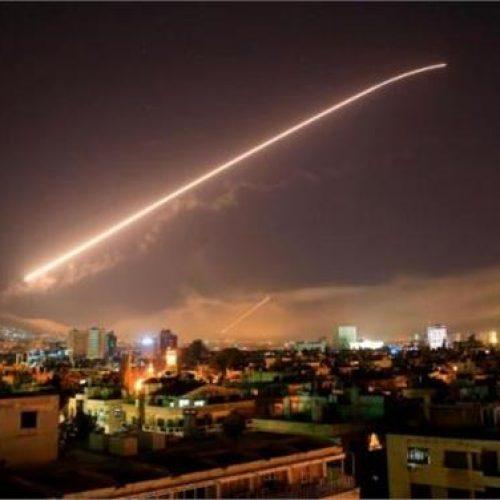 Ξεκίνησε η επίθεση ΗΠΑ, Γαλλίας, Βρετανίας στη Συρία - Ισχυρές εκρήξεις στη   Δαμασκό