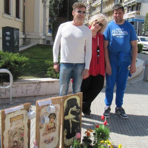 """Το πασχαλινό παζάρι των """"Παιδιών της Άνοιξης"""" στην Πλατεία Δημαρχείου της Βέροιας"""