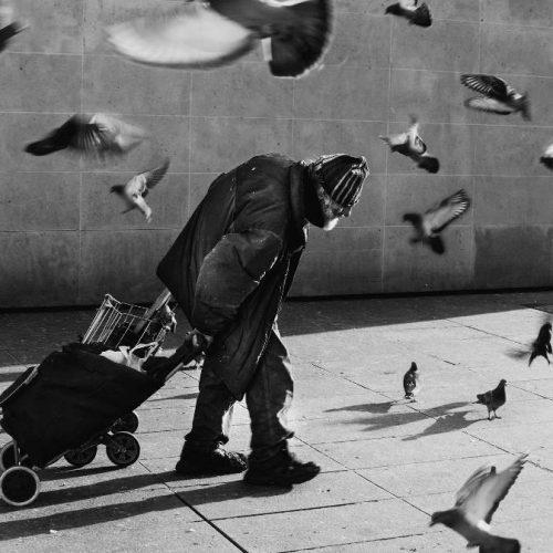 """""""Άστεγοι, ο Τιτανικός της Ευρωπαϊκής Ένωσης"""" γράφει ο Προκόπης Αγγελόπουλος"""