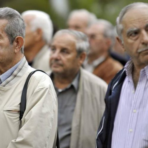 """Υπουργείο Εργασίας: """"Οι επιστροφές στους συνταξιούχους θα πιστωθούν χωρίς να χρειάζεται η υποβολή αιτήσεων"""""""