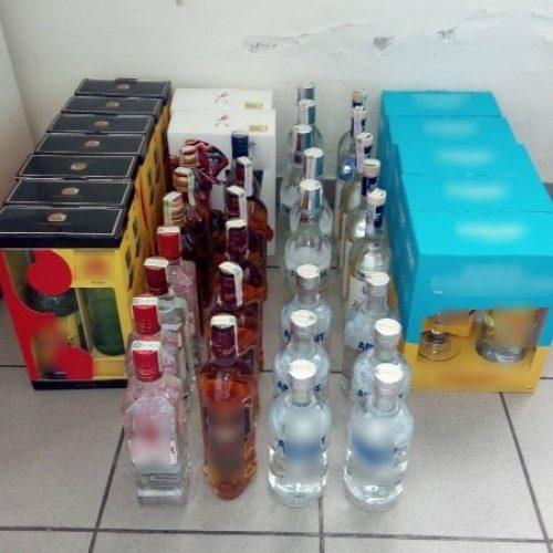 Συλλήψεις για λαθραία ποτά και τσιγάρα