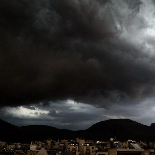 Καταιγίδες προβλέπει  η ΕΜΥ για τις επόμενες μέρες