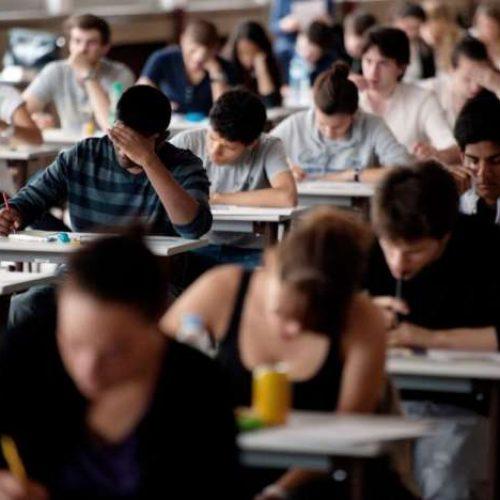 """ΠΑΜΕ Εκπαιδευτικών: Ενδοσχολικές εξετάσεις """"fast track"""" από το Υπουργείο Παιδείας!"""