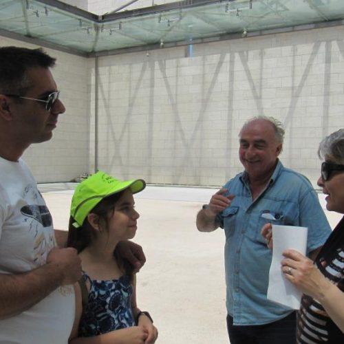 Μια μικρή επίδοξη αρχαιολόγος στο Πολυκεντρικό Μουσείο των Αιγών
