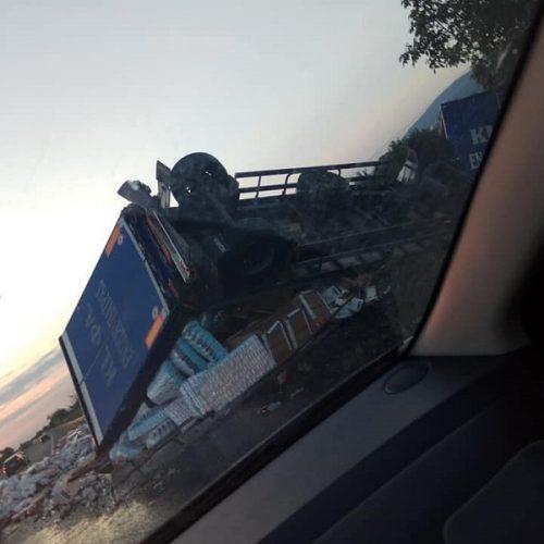 Διακοπή της κυκλοφορίας στην Εγνατία Οδό στον κόμβο της Κουλούρας λόγω   ανατροπής   νταλίκας