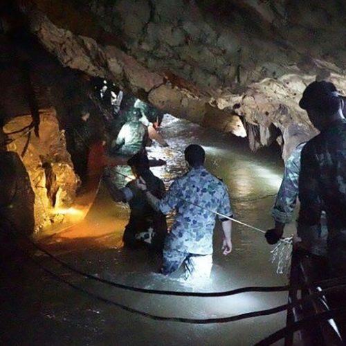 Ταϊλάνδη: Τα παιδιά μπορεί να μείνουν μήνες στο σπήλαιο, προειδοποιούν οι διασώστες
