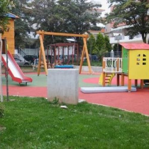 Αναβαθμίζεται ο  εξοπλισμός των παιδικών χαρών στο Δήμο Βέροιας