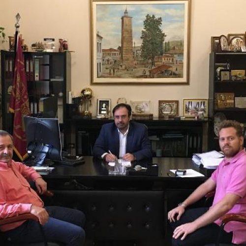 Σύμβαση για τη διαγράμμιση οδών και διαβάσεων υπέγραψε ο Δήμαρχος Βέροιας
