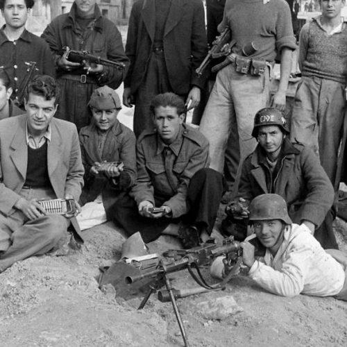 """""""Γιατί γιορτάζουμε την κήρυξη του πολέμου και όχι την απελευθέρωση"""" γράφει ο  Αντώνης Αναστασόπουλος"""