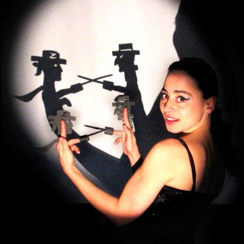 """Valeria Guglietti """"Μην αγγίξεις τα χέρια μου""""- Κινέζικο Θέατρο Σκιών"""