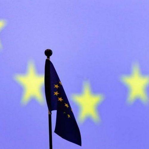 """""""Ολική έκλειψη της πολιτικής"""" γράφει ο Χρήστος Γιανναράς"""