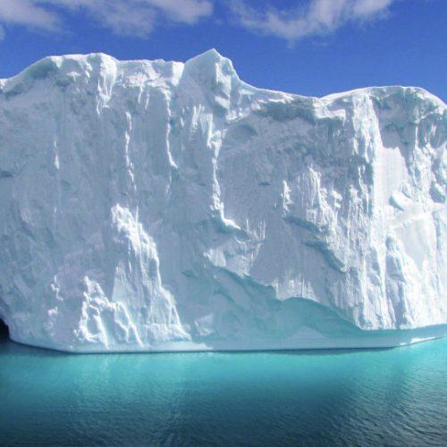 Η NASA εντόπισε γιγαντιαίο παγόβουνο στην Ανταρκτική (video)