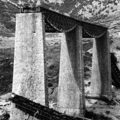 """H ανατίναξη στον Γοργοπόταμο - H έκρηξη στη γέφυρα που ακούστηκε στα πέρατα του κόσμου"" γράφει ο Β. Λεβεντογιάννης"