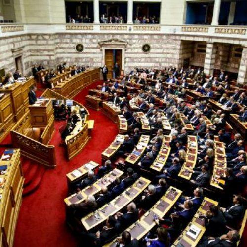 Ερώτηση για μόνιμη και σταθερή δουλειά  στους συμβασιούχους - αναπληρωτές εκπαιδευτικούς κατέθεσαν βουλευτές Του ΚΚΕ