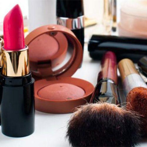 Απαγόρευση 74 καλλυντικών από την αγορά ανακοίνωσε ο ΕΟΦ - Η λίστα των προϊόντων