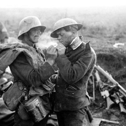 Πρώτος Παγκόσμιος πόλεμος. Η ανακωχή των Χριστουγέννων στο Δυτικό Μέτωπο - Για μια μέρα οι εχθροί έγιναν φίλοι