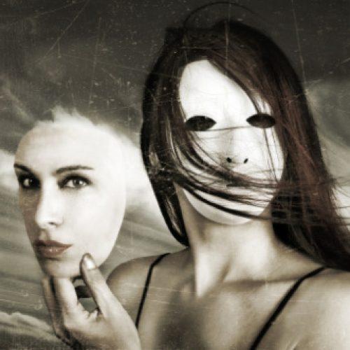 """""""Διπροσωπία: Ο κρυμμένος Πρωτέας - Ιανός"""" γράφει ο Ηλίας Γιαννακόπουλος"""