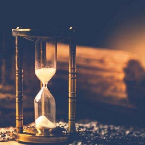 """""""Επαρήλθεν… και ο χρόνος - Μία ιστορία χρόνου"""" γράφει ο Ηλίας Γιαννακόπουλος"""