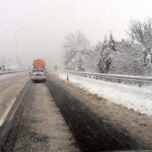 Άρση απαγόρευσης κυκλοφορίας φορτηγών σε Εγνατία και ΠΑΘΕ - Οι δρόμοι  στους οποίους  χρειάζονται αλυσίδες