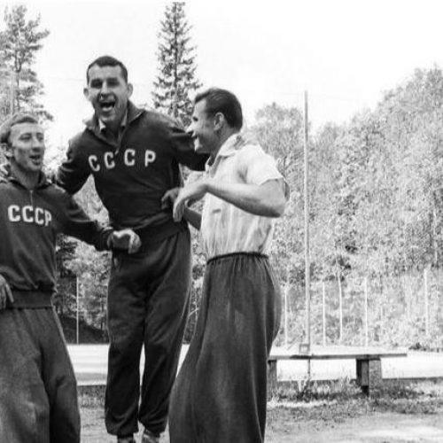 Ο παππούς του Τσιτσιπά ήταν αθλητής της Σοβιετικής Ένωσης, που έγινε και γραμματόσημο (Photos)