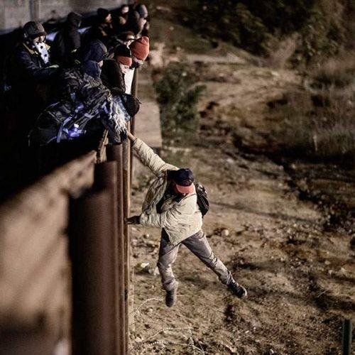 """Μια εικόνα χίλιες λέξεις: """"Οι φράχτες!"""""""