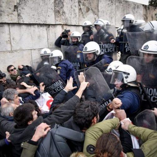 Το ΥΠΠΕΘ για την επίθεση των ΜΑΤ εναντίον διαδηλωτών εκπαιδευτικών