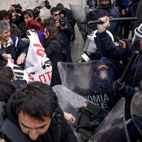 ΚΚΕ: Καταδικάζουμε την   άγρια επίθεση των ΜΑΤ  κατά της συγκέντρωσης εκπαιδευτικών