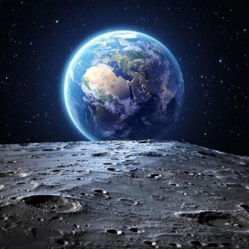 Εικόνες από τη σκοτεινή πλευρά της Σελήνης