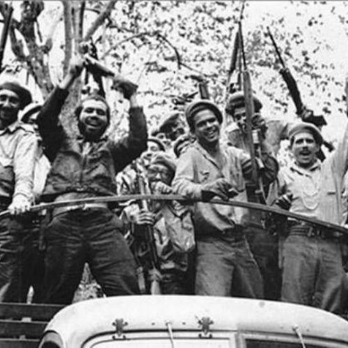 Πρωτοχρονιά του 1959.  Η είσοδος του Τσε και του Κάστρο στην Αβάνα, η φυγή του Μπατίστα και το φιάσκο στον κόλπο των Χοίρων