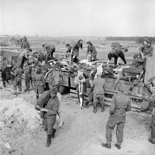 Σκληρές φωτογραφίες από τις θηριωδίες των ναζί στα στρατόπεδα εξόντωσης -  Αυτός είναι ο ναζισμός