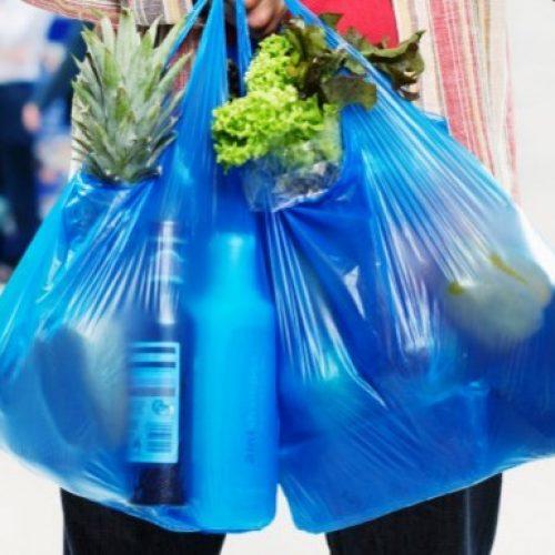 Στα 9 λεπτά του ευρώ η πλαστική σακούλα