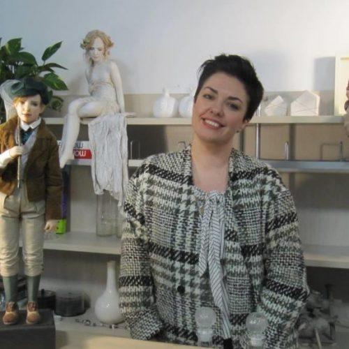 Μαρίνα Αθανασιάδου. Η κούκλα έχει τη δική της ιστορία – Προσεγγίζοντας την τέχνη της εικαστικής κούκλας
