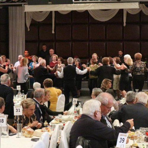 Οι Πολιτικοί Συνταξιούχοι Ημαθίας έκοψαν την πίτα τους και γλέντησαν σε πετυχημένη χοροσυνεστίαση