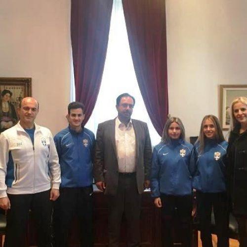 Αθλητές του Πανημαθιακού στο Δήμαρχο Βέροιας