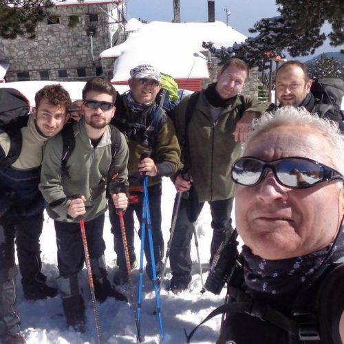 Όλυμπος από Γκορτσιά:  Στο χιονισμένο ανηφορικό μονοπάτι για  Πετρόστρουγκα