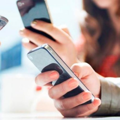 Άγχος, φόβος, διάσπαση προσοχής: Οι επιπτώσεις της κατάχρησης του smartphone