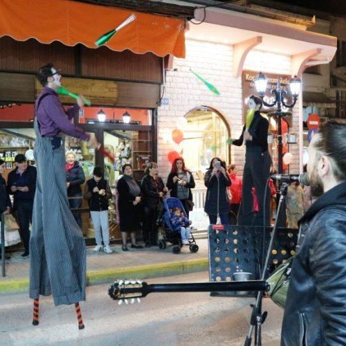 Λευκή Νύχτα στη Βέροια  με πολύ κόσμο στους δρόμους της Αγοράς