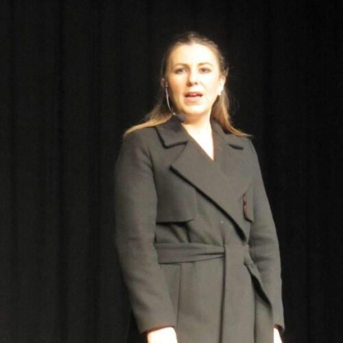 """Ο """"Επιτάφιος του Περικλή"""" στην Εβδομάδα Θεάτρου της Βέροιας. Μια παράσταση εσωτερικής δράσης"""