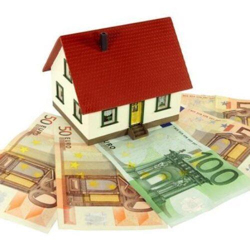 ΕΚΠΟΙΖΩ:  Καταργείται κάθε ουσιαστική προστασία της κύριας κατοικίας