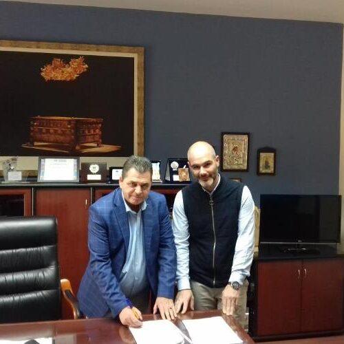 """Σύμβαση  για """"Ασφαλτόστρωση αγροτικών δρόμων Δήμου Βέροιας"""" υπέγραψε ο Αντιπεριφερειάρχης Ημαθίας"""