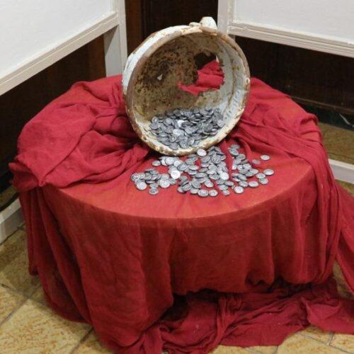 Νόμισμα και σχολική δημιουργία – Μια αξιόλογη φωτογραφική έκθεση του Δημοτικού Σχολείου Κουλούρας και ο απόηχός της