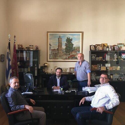 Ξεκινά η διαπλάτυνση της Πιερίων - Υπογράφτηκε η  σύμβαση από το Δήμαρχο Βέροιας
